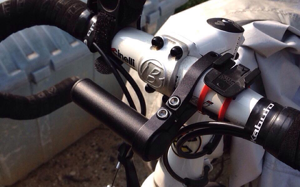 自転車に付けるライトを増やすならFOGLIAの「マルチマウント ハンドル用」がオススメ!