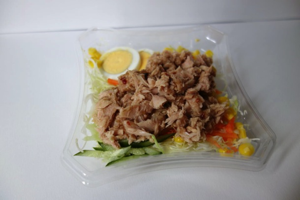 Tuna corn salad05
