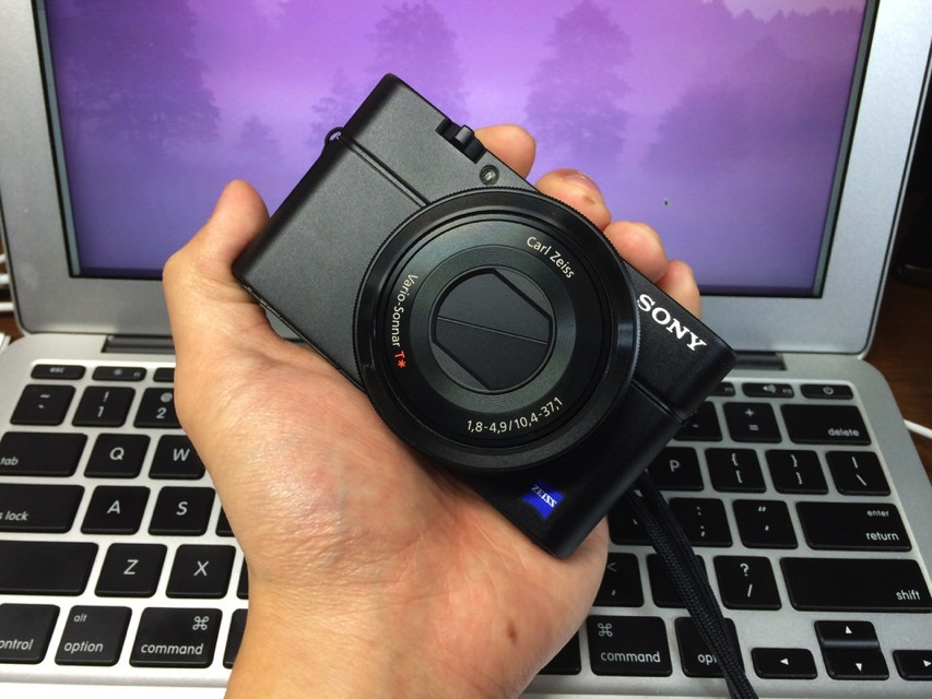 SONYのコンデジ「Cyber-shot RX100」が持ち歩き用にピッタリで気に入った!
