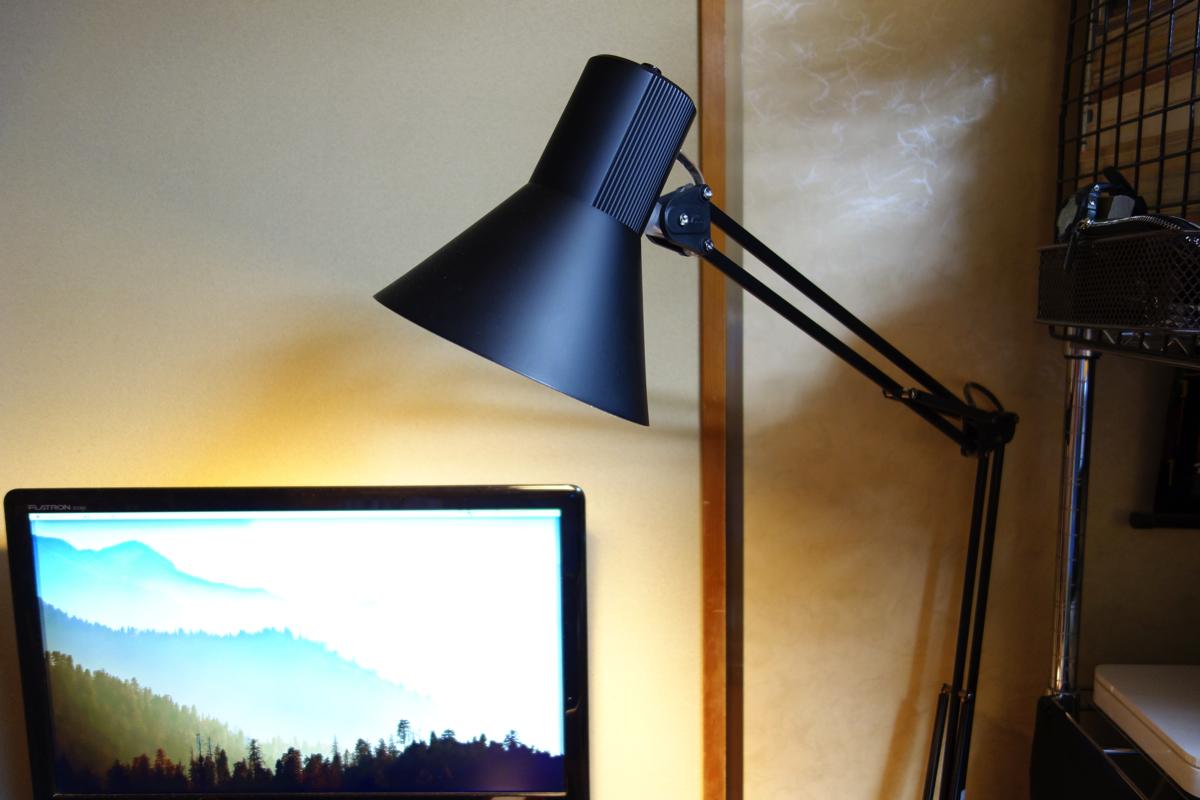 山田照明のデスクライトZ-LIGHT Z-108を購入レビュー