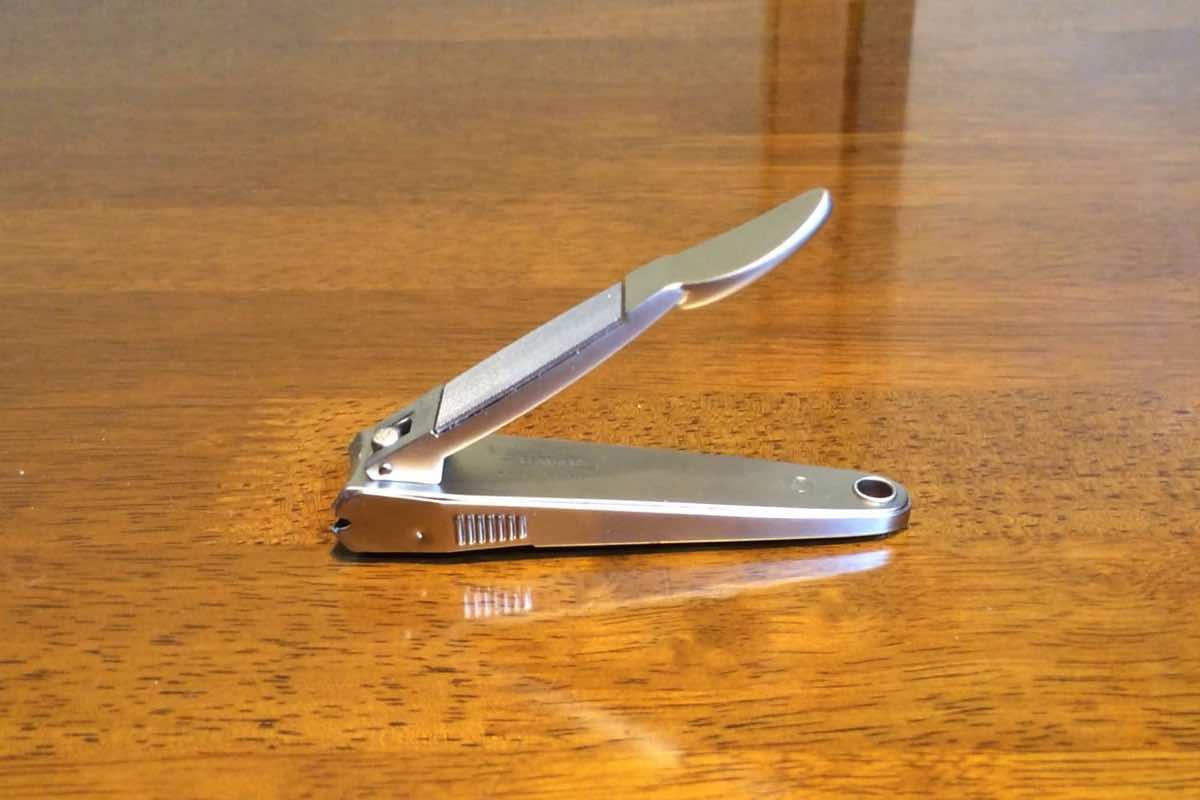 フェザーの「パラダ爪切り」が切りやすさも切れ味も抜群でオススメ