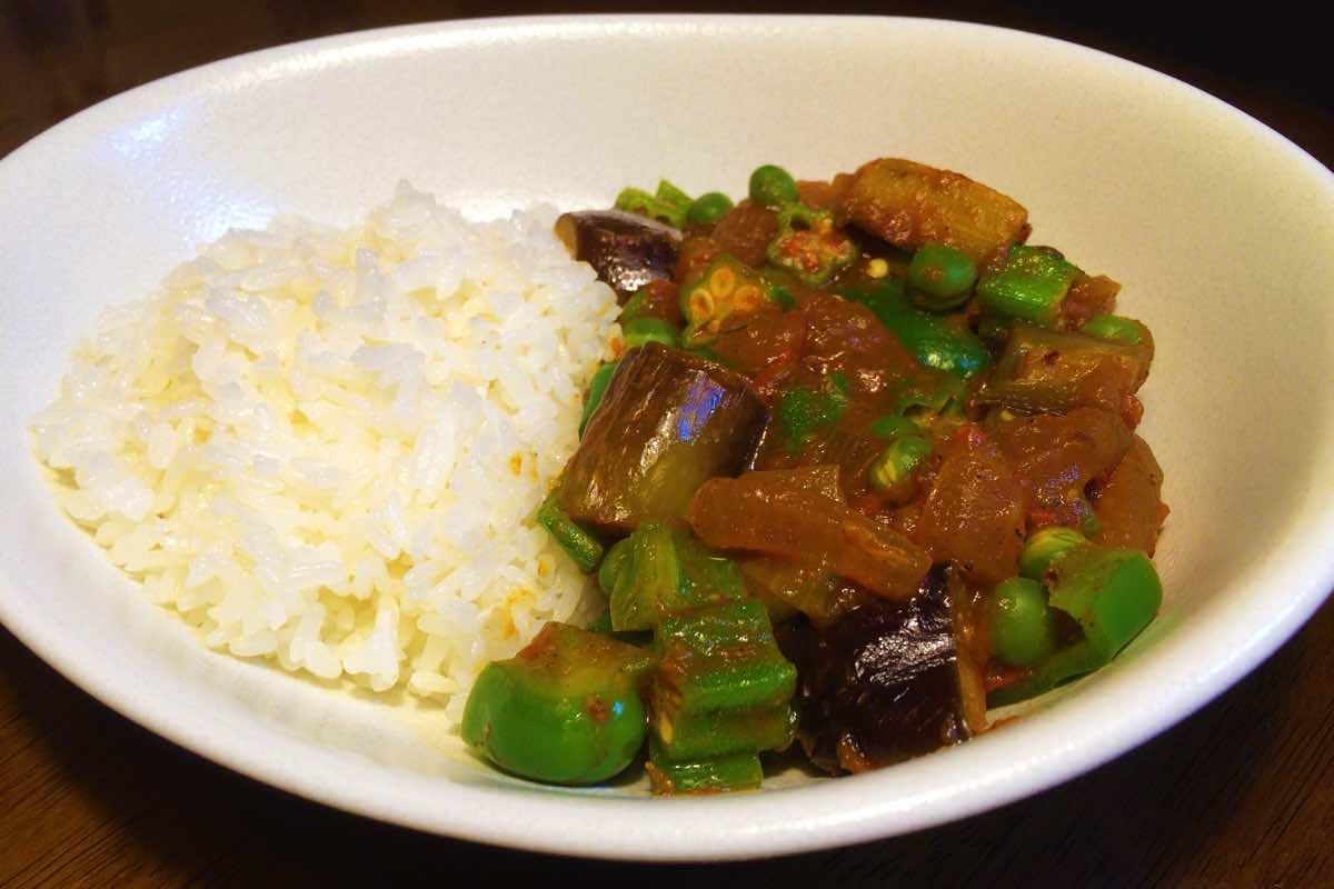 野菜のみで作るスパイシーな「夏野菜カレー」のレシピ