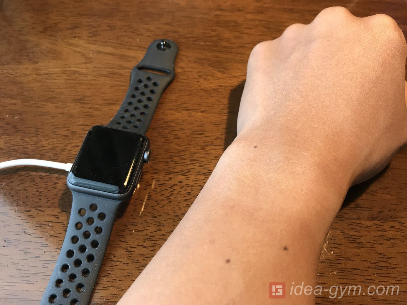 Apple Watchを常に着けるのをやめた